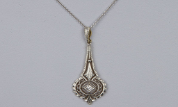 Lavaliere Necklace manufacturer and supplier in China