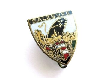 custom Austria Souvenir Jewelry Brooch wholesale manufacturer and supplier in China