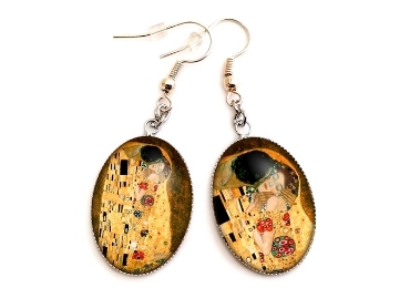 custom The Kiss Souvenir Earrings wholesale manufacturer and supplier in China